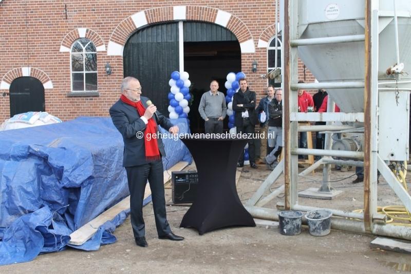2014-03-25 Eerste steen legging bron Arie Westerhuis (10010).JPG