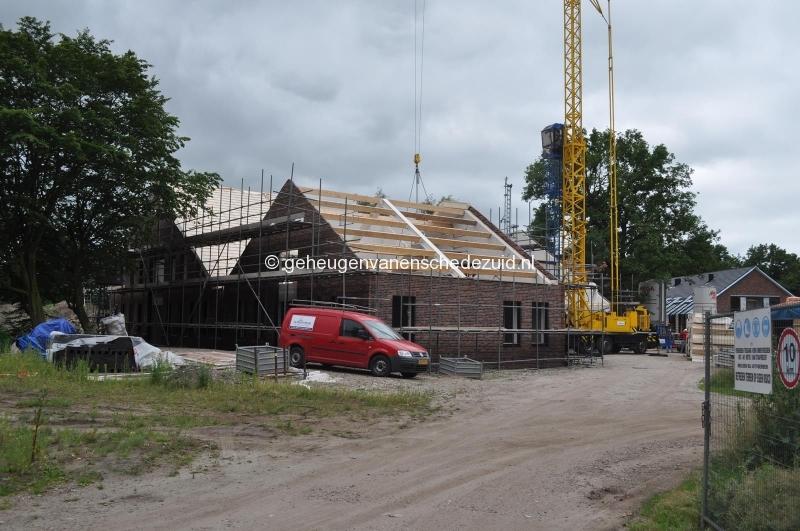 2014-06-17 dak gebouw 4 bron H vd Vegt (1).JPG