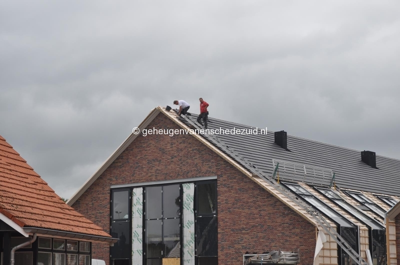 2014-06-17 dak gebouw 4 bron H vd Vegt (2).JPG