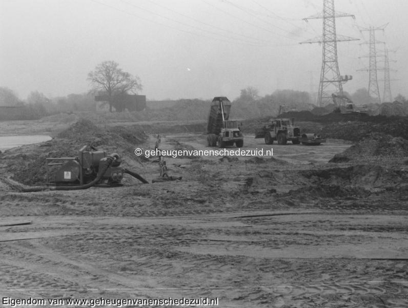 1988-1990 Aanleg  rijksweg 35 Afrit Zuid komende vanaf Glanerbrug (achter gasstation) bron Hans Tietjens (87).jpg
