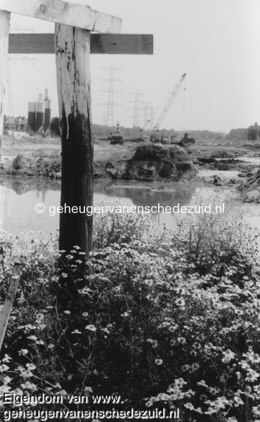 1988-1990 Aanleg  rijksweg 35 Richting Oost , midden van Trace, natuur herstelt enigzins later delft zij het onderspit bron Hans Tietjens (30).jpg