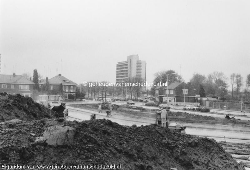 1988-1990 Aanleg  rijksweg 35 richting Wesselerbrink vanaf Boswinkel gefotografeerd omlegging van Veenlaan tbv bouw viaduct bron Hans Tietjens (20).jpg