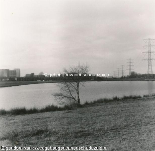 1988-1990 Aanleg  rijksweg 35 richting West Tuindorp vijver nog onberoerd bron Hans Tietjens (2).jpg