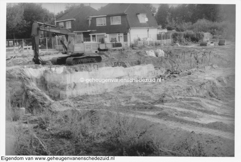 1988-1990 Aanleg  rijksweg 35 viaduct van Veenlaan zuidelijk steunhoofd bron Hans Tietjens (34).jpg