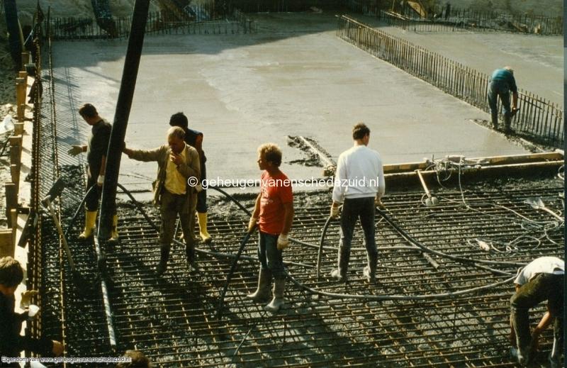 1989 A35 in aanbouw bron Mw Zwiggelaar (11).jpg