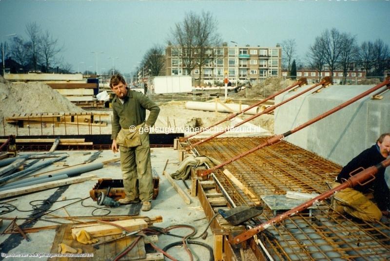 1989 A35 in aanbouw bron Mw Zwiggelaar (15).jpg