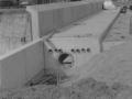 1988-1990 Aanleg  rijksweg 35 viaduct van Veenlaan, horizontale gaten bron Hans Tietjens (70).jpg