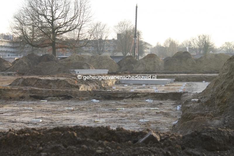 2013-12-03 Het nieuwe Bijvank Marlebrink  Heipalen en Funderingsbalken (2).JPG