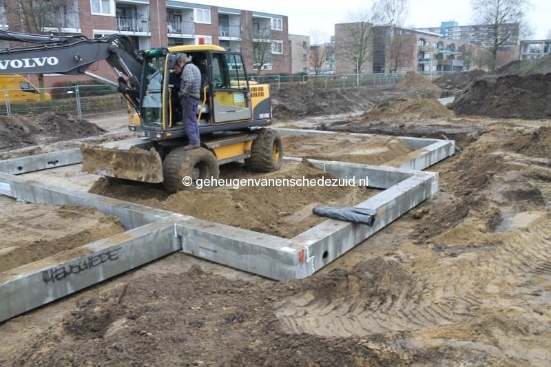 2013-12-05 Het nieuwe Bijvank Lindebrink Fundering leggen  (2).JPG