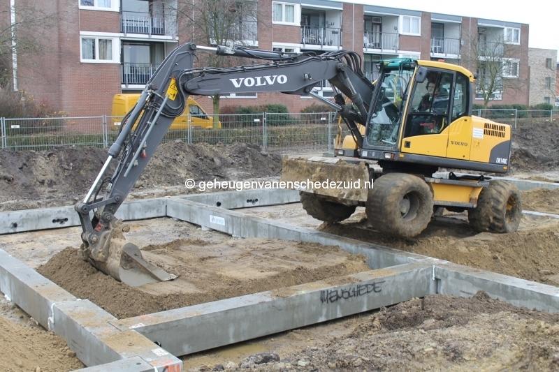 2013-12-05 Het nieuwe Bijvank Lindebrink Fundering leggen  (3).JPG