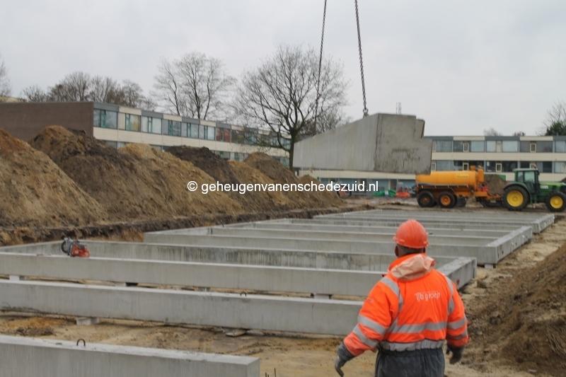 2013-12-05 Het nieuwe Bijvank Marlebrink Fundering leggen  (4).JPG