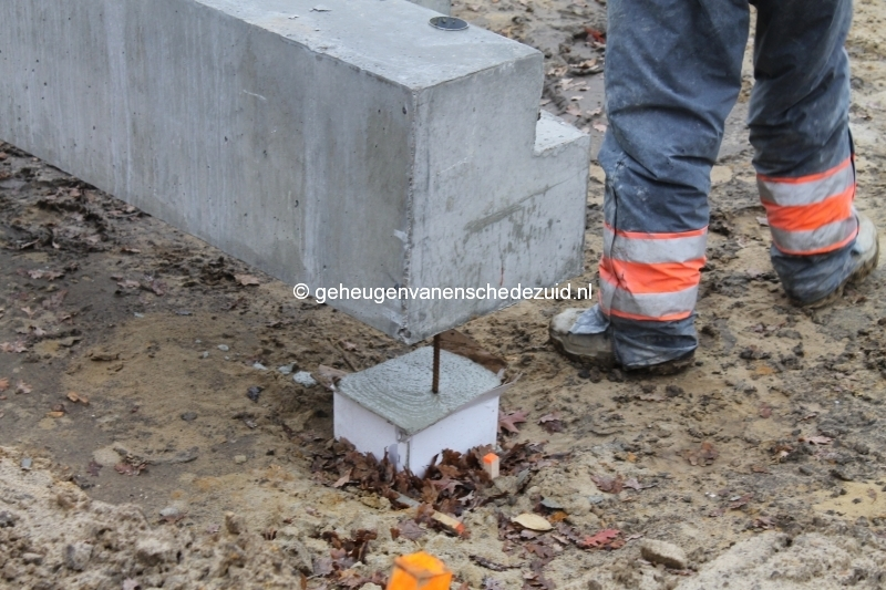 2013-12-05 Het nieuwe Bijvank Marlebrink Fundering leggen  (7).JPG