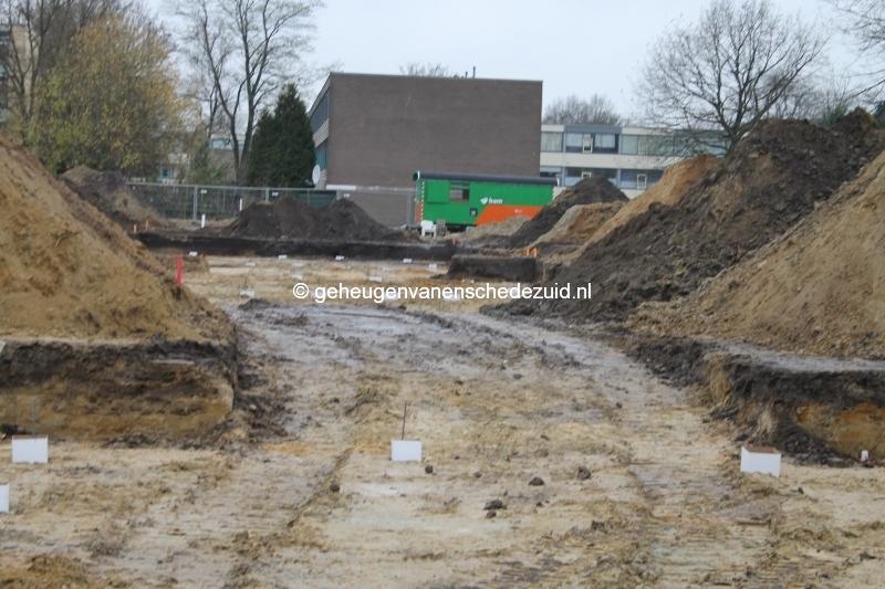 2013-12-05 Het nieuwe Bijvank Pollenbrink Heipalen in grond (2).JPG