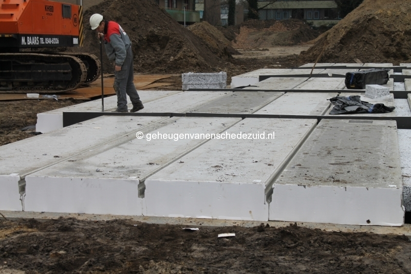 2013-12-17 Het nieuwe Bijvank Lindebrink Betonvloer leggen blok Lindebrink (1).JPG