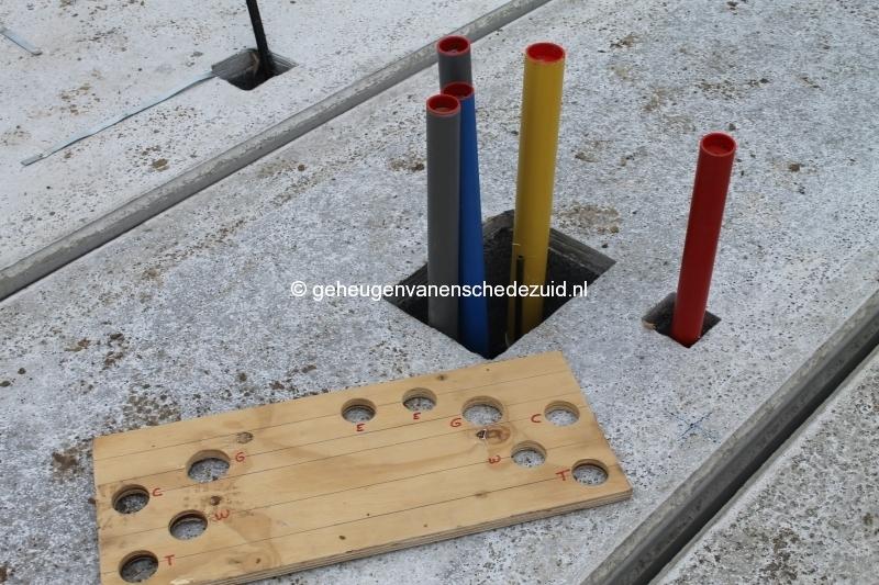 2013-12-17 Het nieuwe Bijvank Lindebrink Diverse  aansluitingen door betonvloer (1).JPG