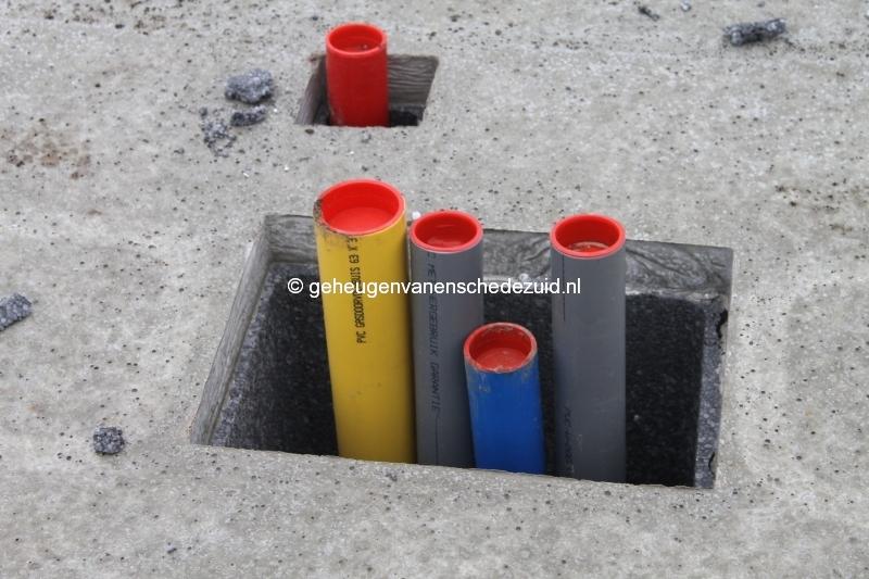 2013-12-17 Het nieuwe Bijvank Lindebrink Diverse  aansluitingen door betonvloer (3).JPG