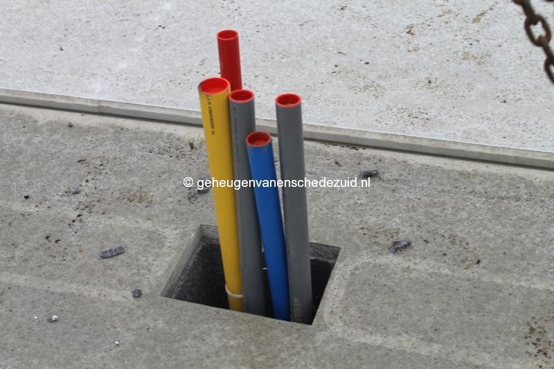 2013-12-17 Het nieuwe Bijvank Lindebrink Diverse  aansluitingen door betonvloer (4).JPG