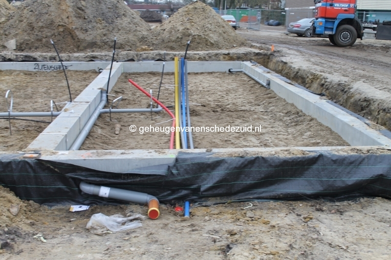 2013-12-17 Het nieuwe Bijvank Marlebrink Aansluitingen in fundering (2).JPG
