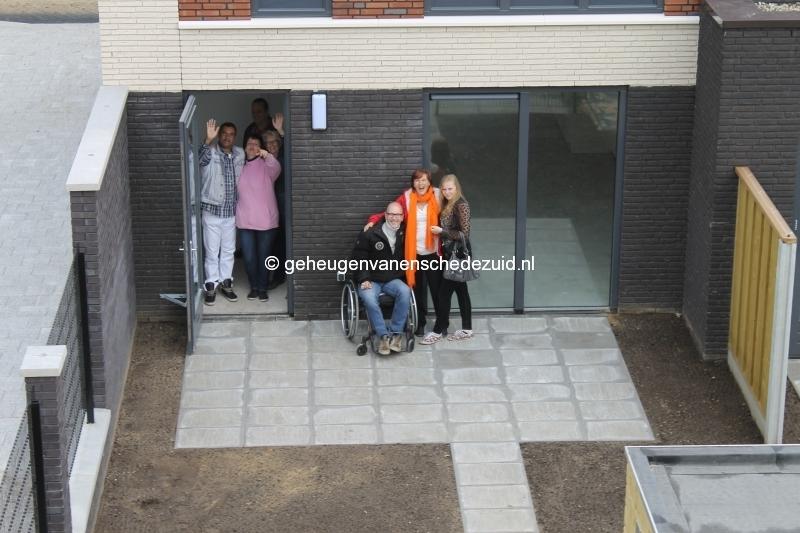 2014-06-05 Het nieuwe Bijvank Lindebrink Eerste bewoners in achtertuin (1).JPG