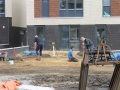 2014-05-15 Marlebrink Palen voor schuur plaatsen.JPG
