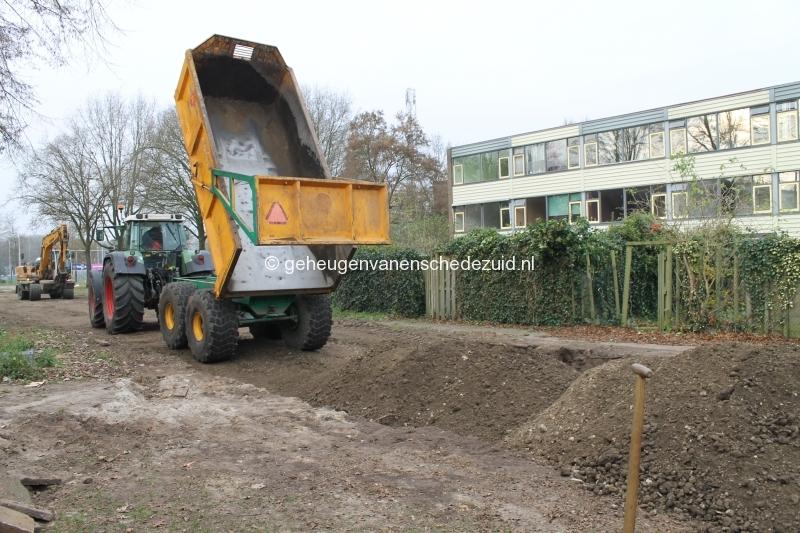 2014-12-02 Piksenbrink Aanleg weg achter flat voor sloper (1).JPG