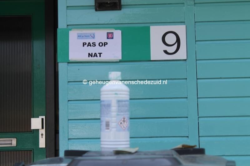2013-06-11 Sibculobrink schilderen garagedeuren (1).JPG