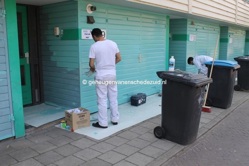 2013-06-11 Sibculobrink schilderen garagedeuren (3).JPG