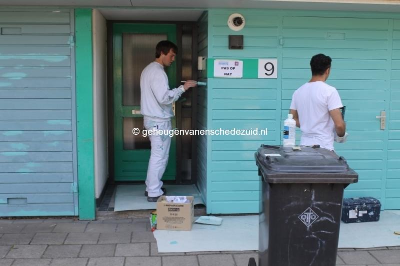 2013-06-11 Sibculobrink schilderen garagedeuren (4).JPG