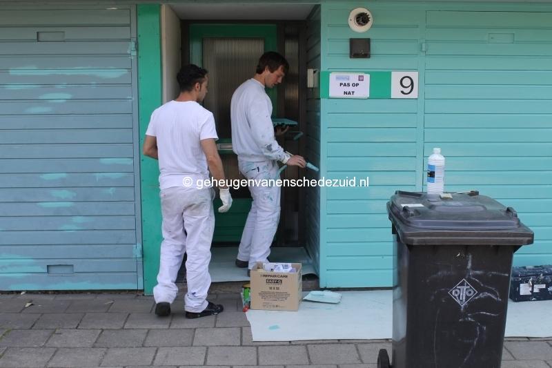 2013-06-11 Sibculobrink schilderen garagedeuren (5).JPG