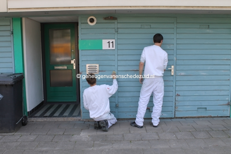 2013-06-11 Sibculobrink schilderen garagedeuren (6).JPG