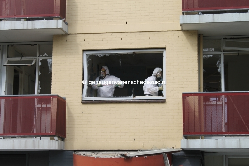 2014-04-24 Sibculobrink asbest verwijderen flat (1).JPG