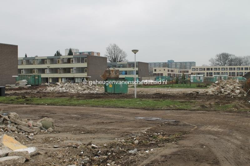 2016-04-06 Zicht vanaf Geessinkweg op Piksenbrink 71-83.JPG