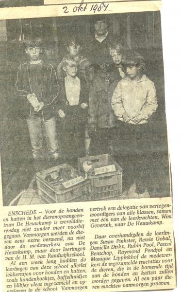 1984, HM van Randwijkschool, inzameling voor Dierenpension de Heuwkamp, 2 oktober 1984, bron Wim Geverink.jpg