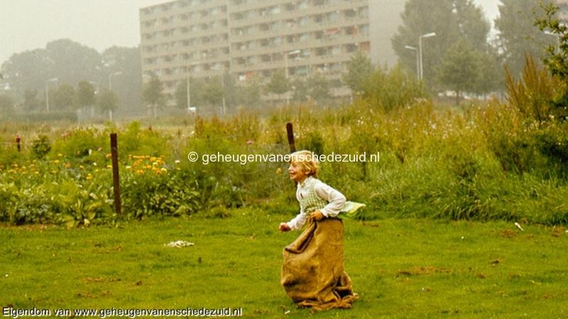1977, schoolfeest Houtwal, bron Gerben de Jong (2).jpg