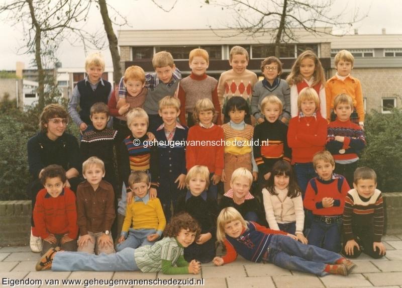 1978-1979 v. Gelderschool klas 1 juf. Dirrie Meuleman bron Hans Tietjens.jpg