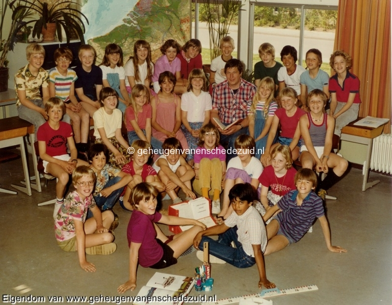 1980-1981, HM van Randwijkschool groep 8, bron Wim Geverink.jpg