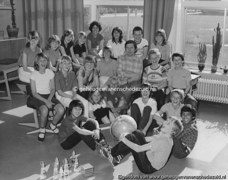 1981 6e klas Het Bijvank toen nog van Randwijkschool bron F. Bartelink.jpg