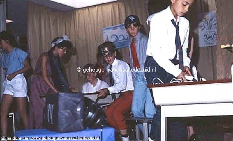 1984 v. Gelderschool, 21 Juni 1984 afscheidsfeest -musical bron Hans Tietjens.jpg