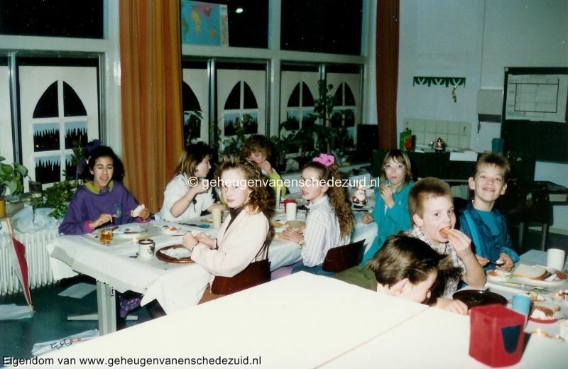1989-1990, OBS het Bijvank, groep 8, bron Wim Geverink (3).jpg
