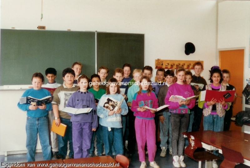 1989-1990, OBS het Bijvank, groep 8, bron Wim Geverink (6).jpg