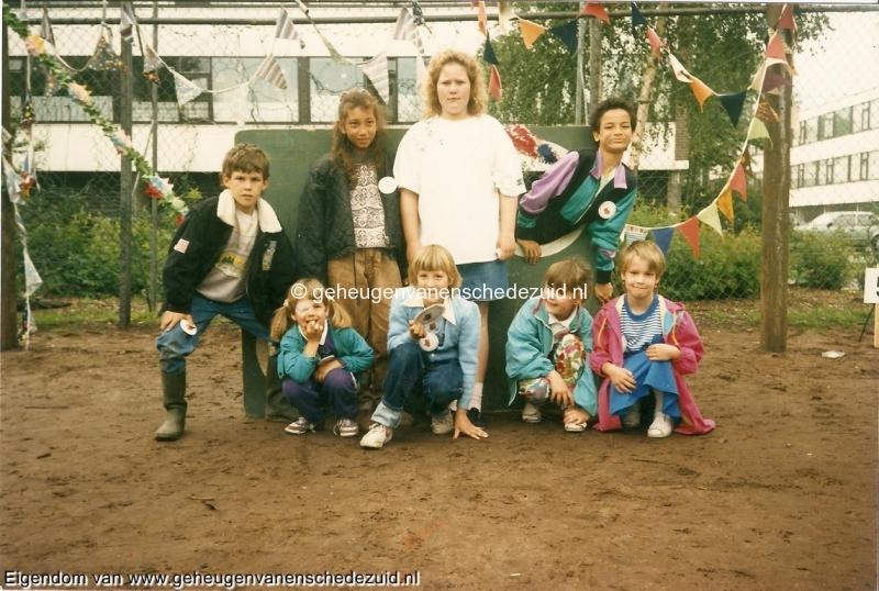 1990,  OBS het Bijvank, , Sportdag OBS Bijvank op voetbalveld Hekselbrink, omstreeks 1990 bron Brigitte Westerhuis.jpg