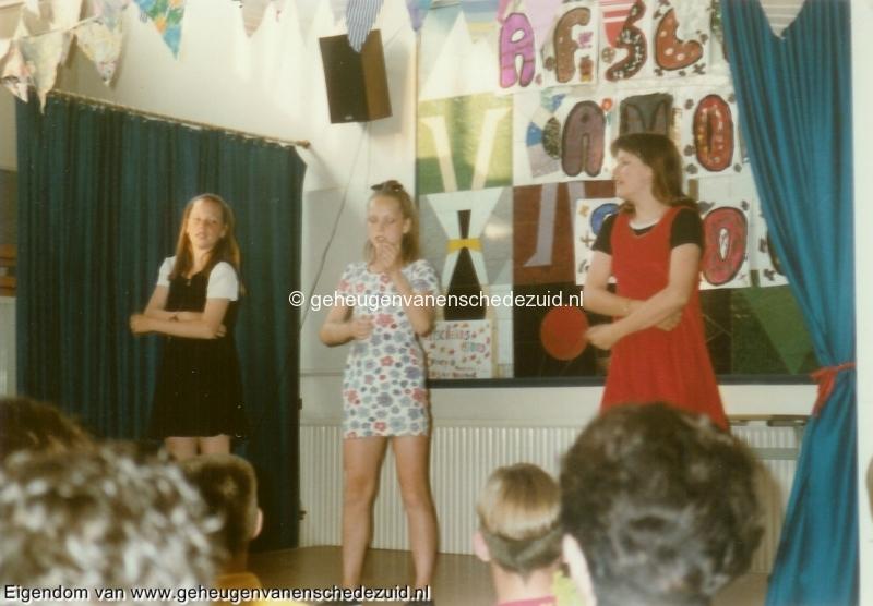 1996-1997, OBS het Bijvank, groep 8, bron Wim Geverink (1).jpg