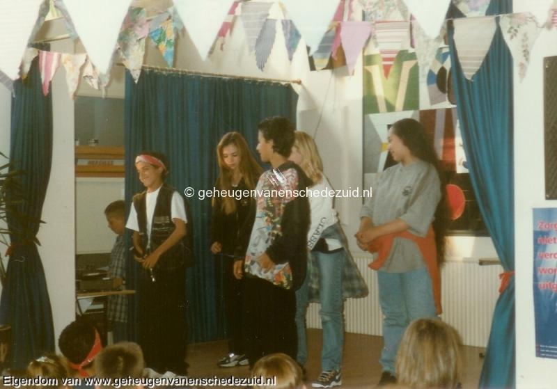 1996-1997, OBS het Bijvank, groep 8, bron Wim Geverink (4).jpg