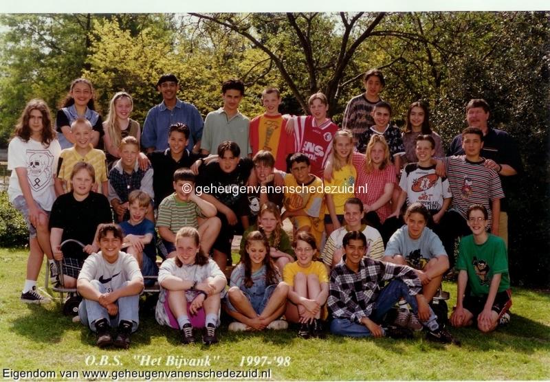 1997-1998, OBS het Bijvank, groep 8, bron Wim Geverink (1).jpg