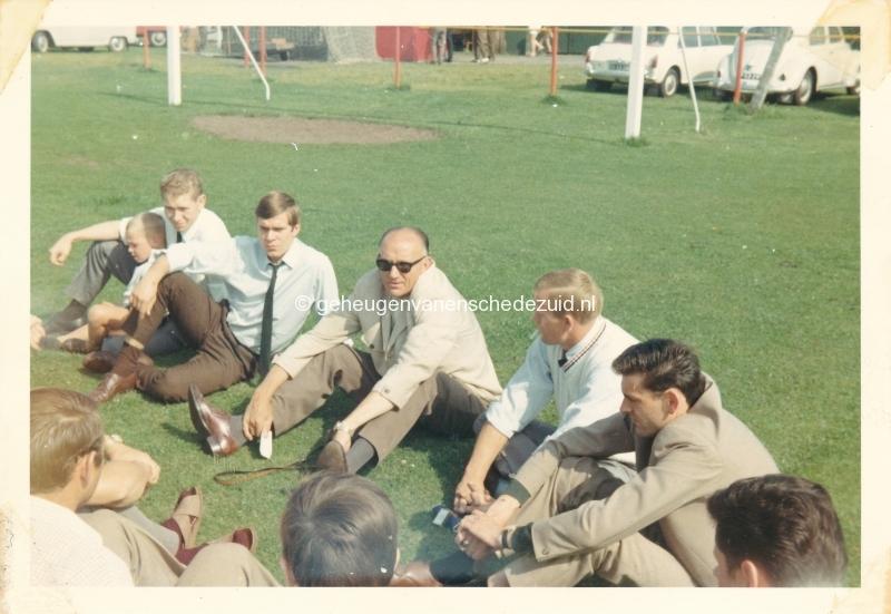 1960-1970 VSV toen nog aan Hengelosestraat bron H Mom (6).jpg