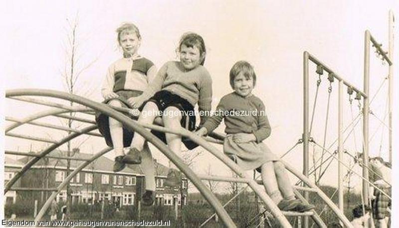 1957-1959, Speeltuin Tuindorp, bron Fam Kuik-Stevens (2).jpg