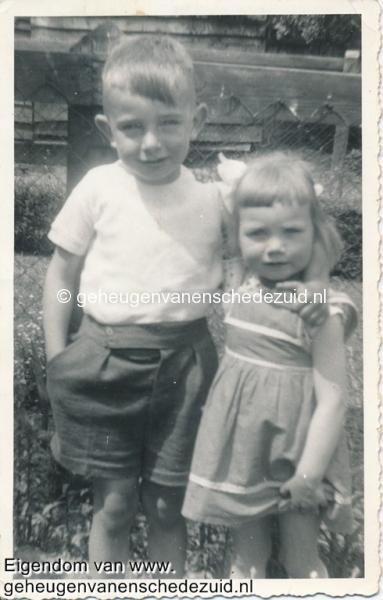 1957, mevr Dake-Wientjes, bron mevr Kolkman.jpg