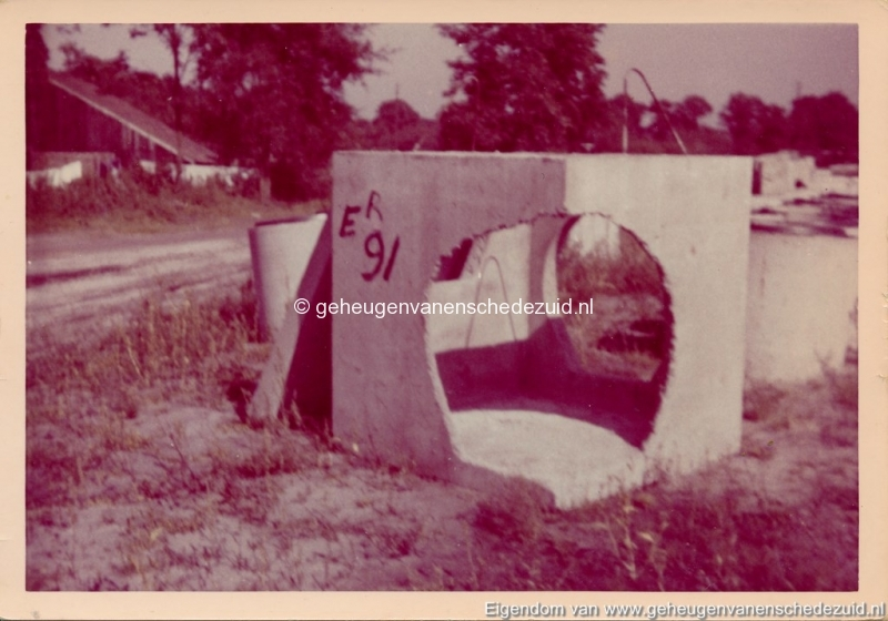 1965 Aanleg riolering Het Lang richting vijver nabij autoweg bron K. Koster (23) (small).jpg
