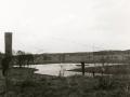 1968, Wesselerbrink, Vanaf leemberg gezicht op vijver in toek. park. Verte  industriehallen aan de Buursestr., bron Hans Tietjens.JPG