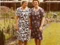 1969_Pollenbrink_tuin_nr._117_Agnes_Heller_Weijand_en_zus_06-06-1969_bron_Bob_Heller.jpg